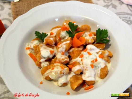 Gnocchi di zucca con salsa al gorgonzola