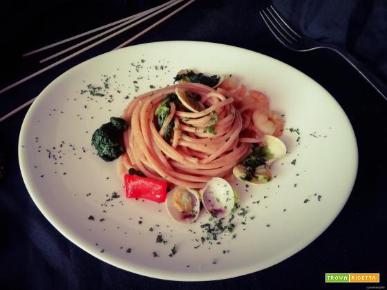 spaghetti al farro con  vongole e friarielli