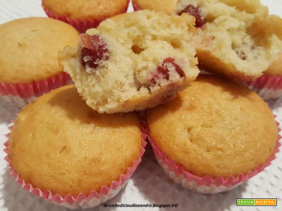 Muffin con yogurt e amarene sciroppate, all'olio