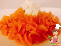 Fusilloni con crema di peperoni e gorgonzola