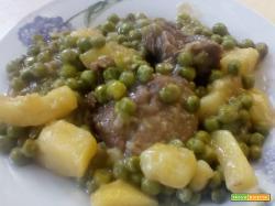 Spezzatino di vitello con piselli e patate