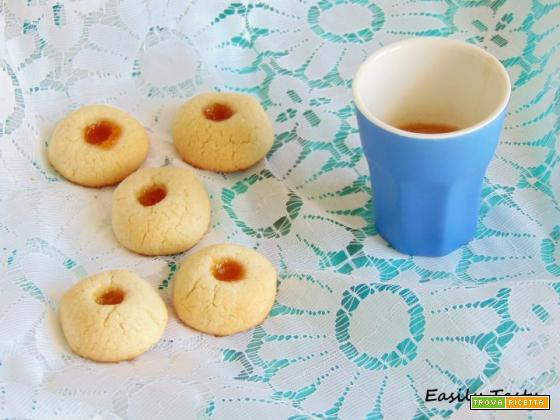 Biscottini alla marmellata di albicocche