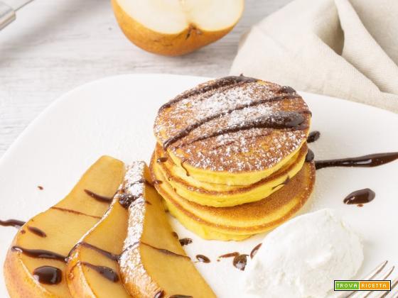 Glutenfree Pancakes alla Ricotta con Pere Caramellate e Salsa al Cioccolato