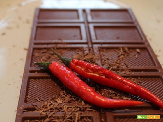 Fondente cioccolato e peperoncino