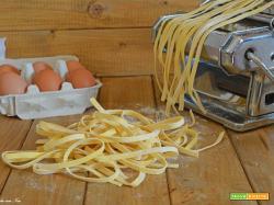 Tagliatelle di pasta all'uovo