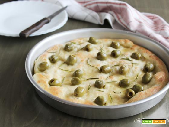 Focaccia alle olive – lievitato sfizioso