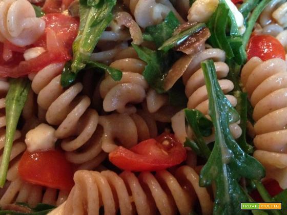 Con e Senza Bimby, Fusilli Rucola, Pomodorini, Olive e Mozzarella