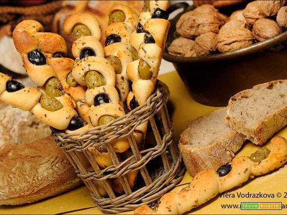 Twister di olive con impasto simil Coccoi