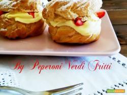 Zeppole al forno con crema diplomatica e fragole