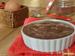 Crema pasticcera al cioccolato ricetta facile e veloce