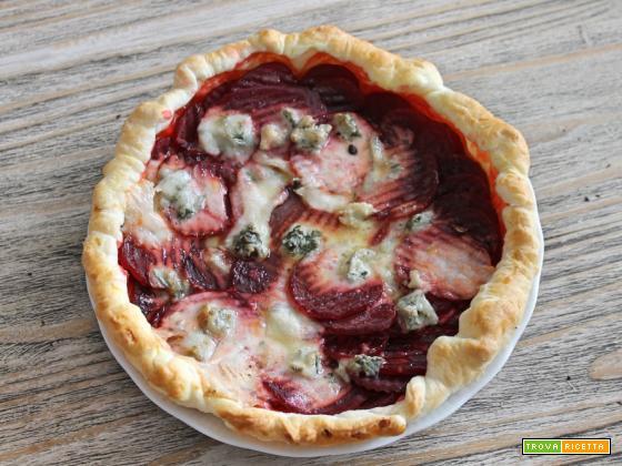 torta salata rape rosse e gorgonzola di capra