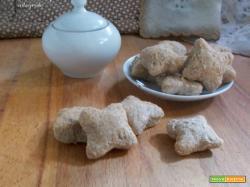 Biscotti di pane integrale