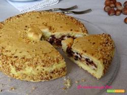 Torta ripiena di ricotta e gocce di cioccolato