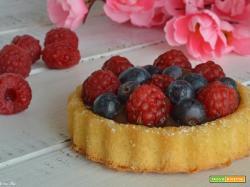 Crostata morbida con stampo furbo alla crema di cioccolato e frutti di bosco