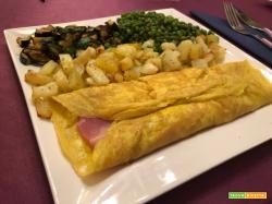 Con e Senza Bimby, Omelette Prosciutto Cotto e Formaggio con Patate, Zucchine e Piselli