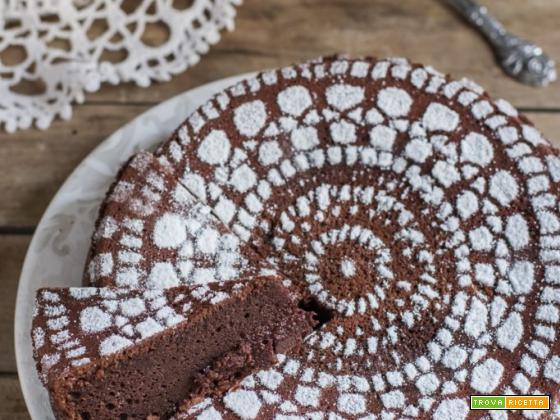 Torta al cioccolato cremosa – ricetta veloce