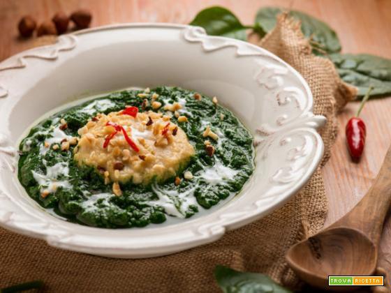 La delicatezza della vellutata di ceci e spinaci, soave bontà