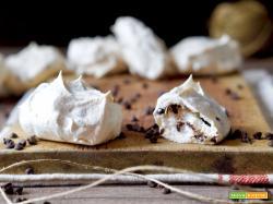 Meringhe con Gocce di Cioccolato
