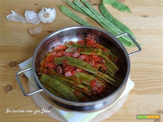 Fagiolini piattoni o taccole al pomodoro saporiti