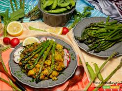 Primavera speziata con piselli,asparagi,lenticchie e patate