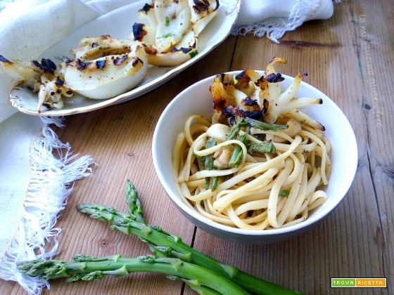 Linguine con asparagi e seppie