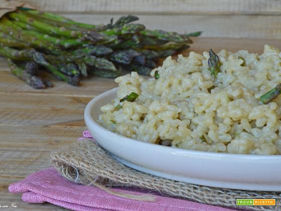 Risotto agli asparagi ricetta cremosa