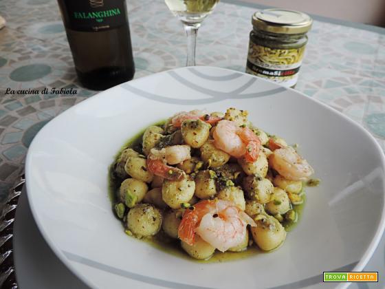 Gnocchetti di patate e mazzancolle con pesto di pistacchio di Bronte