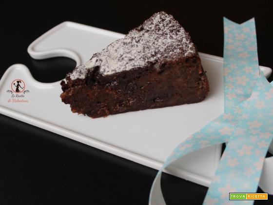 Cucinare con gli avanzi: Torta di pane raffermo e uova di cioccolato cotta in friggitrice ad aria