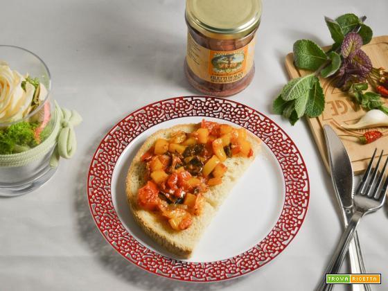 Bruschetta con peperoni e pomodori