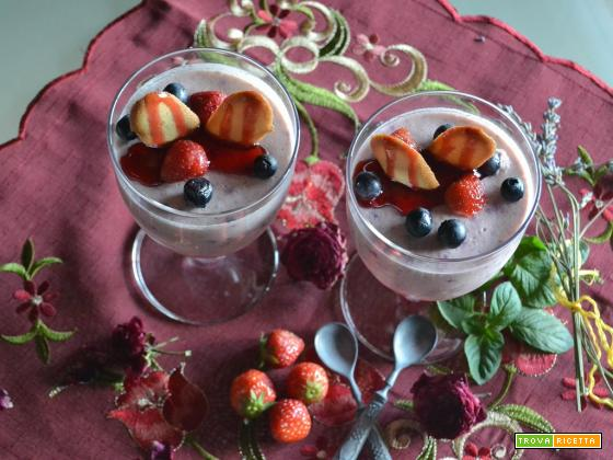 Mousse di fragole e mirtilli