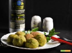 Polpette di pollo con tarassaco e erbe aromatiche