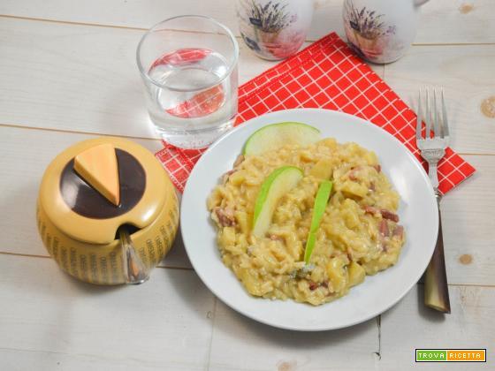 Risotto con gorgonzola mela verde e crudo