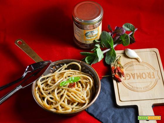 Spaghetti quadrati all'aglio