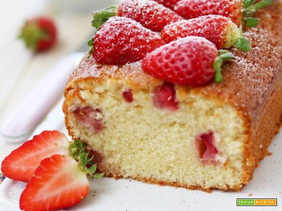 Plumcake alle mandorle, fragole e lime senza lattosio