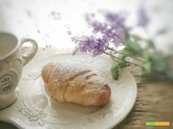 Cornetti per la colazione come quelli del bar: il metodo veloce