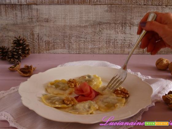 Ravioli speck e noci al Gorgonzola