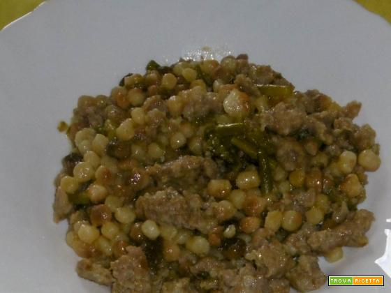 Fregola con asparagi e salsiccia