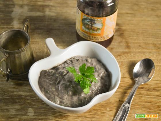 Salsa veloce con patè di olive