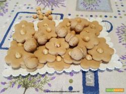 Biscotti con crema alla nocciola