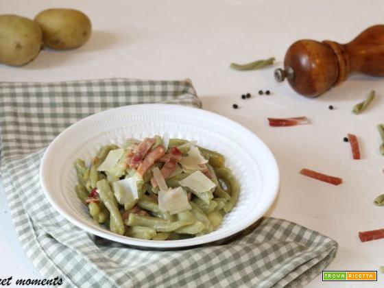 Casarecce al pistacchio con crema di patate e speck