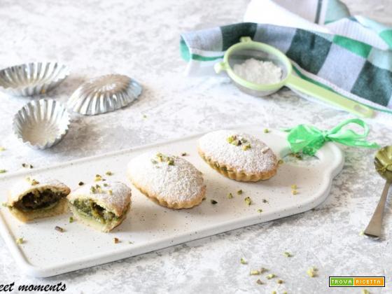 Pasticciotti con crema al pistacchio