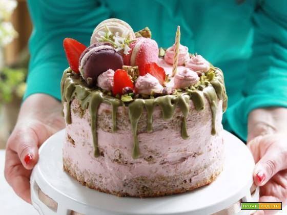 Sponge Cake al pistacchio e fragole