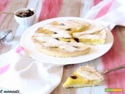 Crostata al cocco con crema e amarene