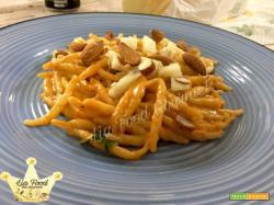 Trennette con pesto di mandorle alla Siciliana