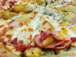 Pizza con patate e salame