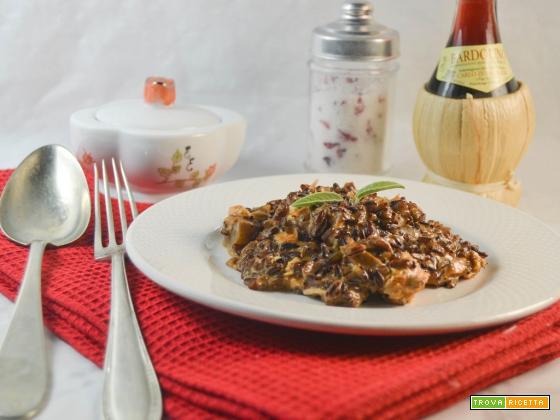Risotto alla paprika con cuori di carciofo e salmone