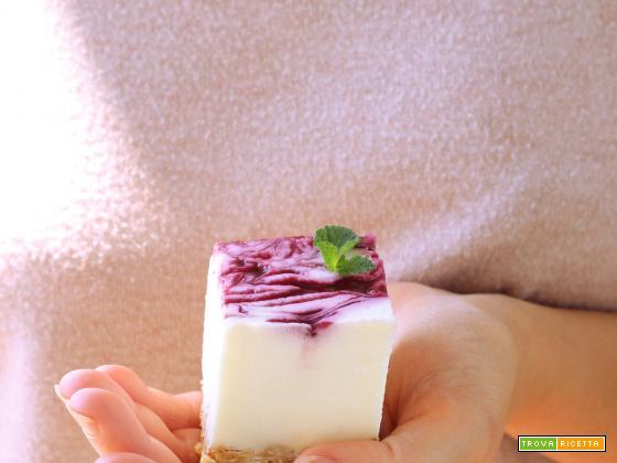 Cheesecake Bars con coulis di frutti di bosco per il Re-Cake 2.0