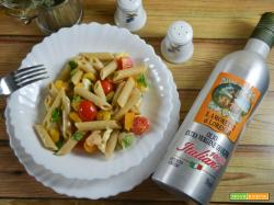 Pasta fredda con mozzarella, gamberetti e insalatina verde
