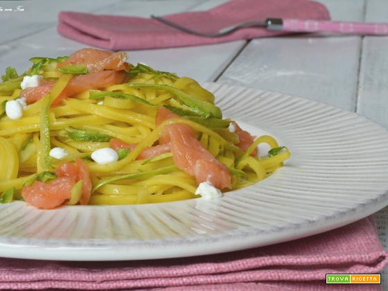 Pasta fredda salmone affumicato zucchine
