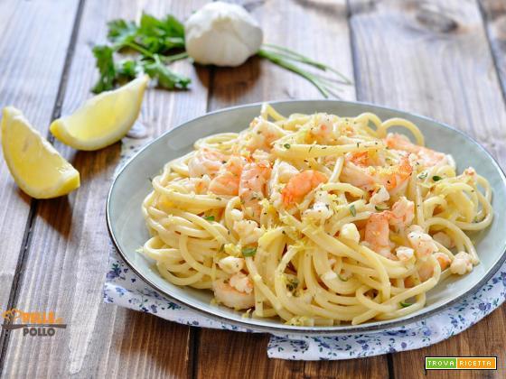 Spaghetti con gamberi e limone